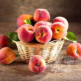 Фруктовая корзина с 17 персиками